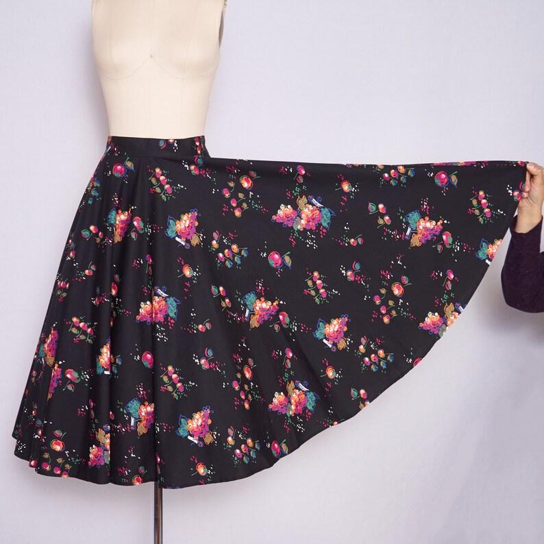 1950s Circle Skirt / 50s Circle Skirt / 50s Novelty Print image 0