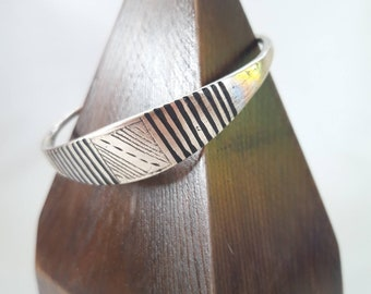 Brass Tuareg Style Moroccan Mens Cuff Bracelet Traditional Enamel and Etched Tribal Details - size medium to large unisex