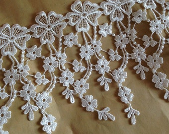 Teardrop Lace Trim in White for Wedding Dress Accessories,Altered Couture, Costume Design