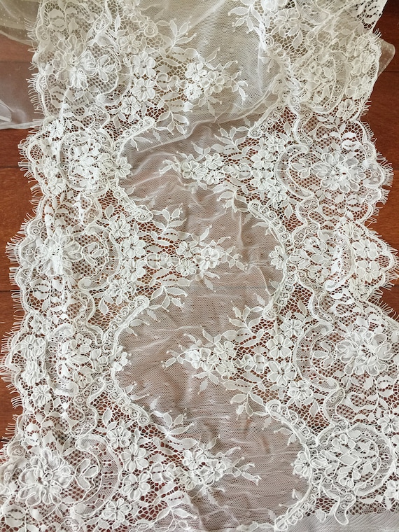 Cord Floral Fabric Bridal Gown Lace Fabric for Wedding Gown Bridal Shrug 3 yards Beautiful Alencon Lace Fabric in Ivory