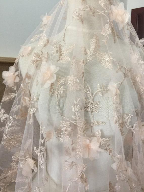 Tissu dentelle fleur 3D en pêche, Tulle tissu de mariée dentelle tissu Tulle brodé, fil métallique Couture mariage robe de tissu 599767