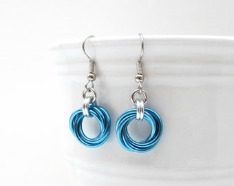 Chainmail Love Knot earrings, turquoise