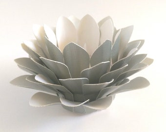 Paper Lotus Lantern -Metallic Pale Green-