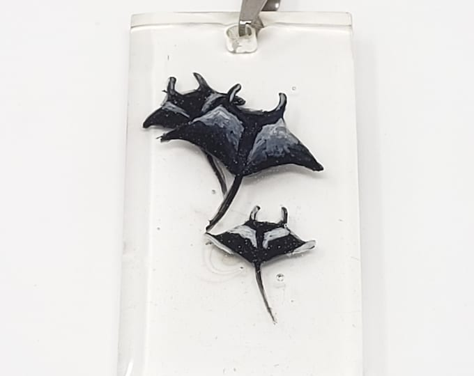 Featured listing image: Pendant - 3 Manta Rays in Resin