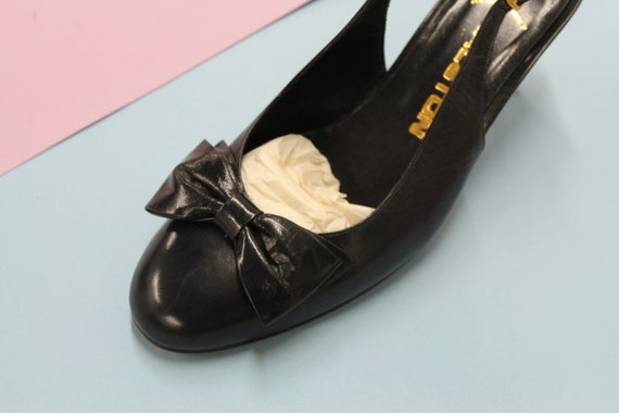 Vintage Navy Blue Halston Slingback Heels with Bo… - image 4