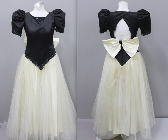 1980s Prom Dress with Sequins and Giant Bow Black