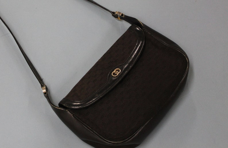 Vintage Gucci Shoulder Bag Crossbody authentic Gucci handbag  44b3a5fc8675a