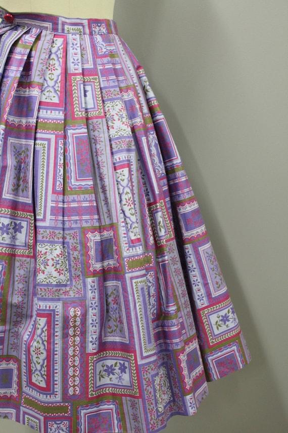 XS Vintage Novelty Print Cotton Circle Skirt, Vin… - image 8