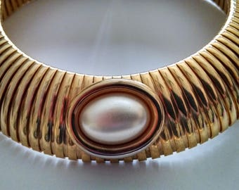Vintage Goldtone Stretch Collar Necklace 1980's Omega with Pearl Cabachon