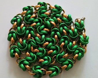 Vintage 1980's Kelly Green Gold Link Necklace 34 Inches Long Very Classy!