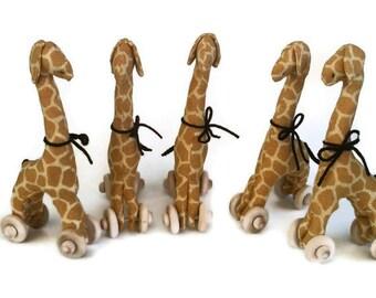 Giraffe Favor Set - 5 Mini Giraffe Pull Toy Favors - Baby Shower Favor - Jungle Birthday Party