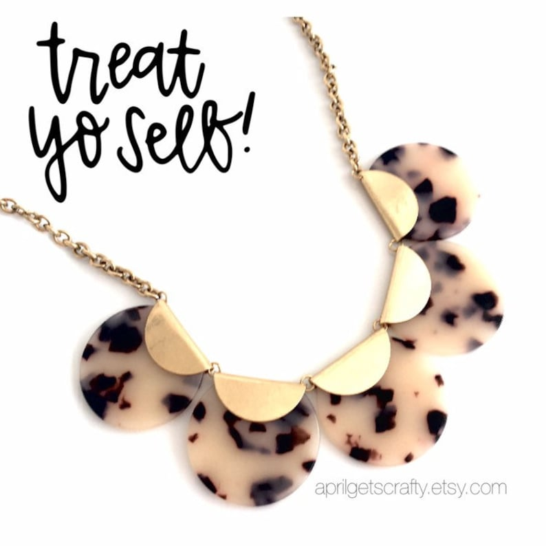 Leopard Scalloped Acrylic Necklace