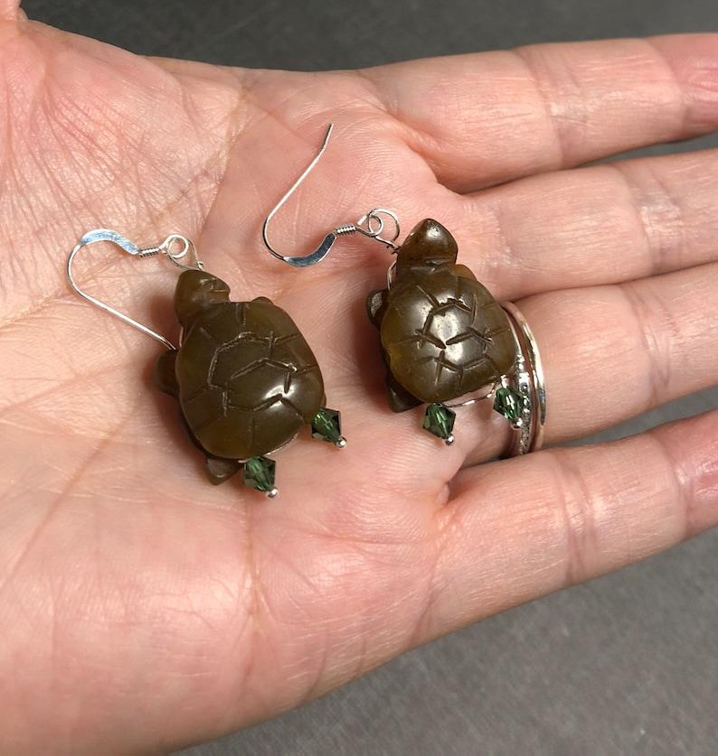 S082 carved vintage stones Silver TURTLE earrings item No handmade