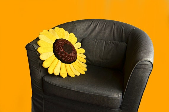 Sunflower Pillow Crochet Pattern, Flower Pillow Crochet Pattern, Shaped Cushion Crochet Pattern, Sunflower Crochet Pattern, Flower Pattern - How to Crochet Summer Pillow Patterns