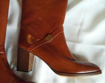 Joan & David Couture.  VINTAGE NEW! Genuine Leather Boots Made in Italy. Size 7-1/2 N.
