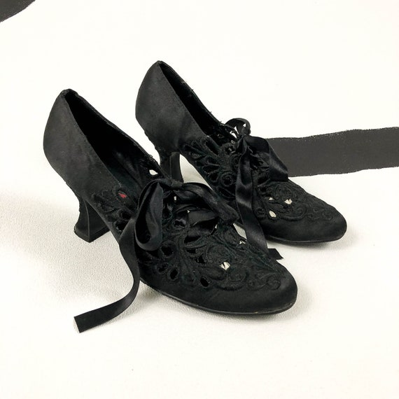 80s / 90s / Black Satin Lace Openwork Booties / Pu