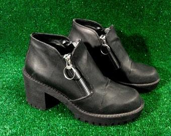 90s Chunky Heeled Platform Silver Zipper Boots Grunge Lug Sole Size 8