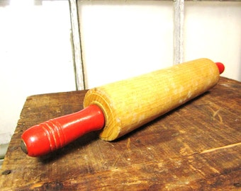 Antique Kitchen Collectible Wood Rolling Pin Red Retro Vintage Country Primitive