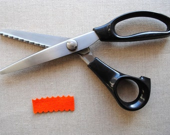 Scalloped Edge Scissors, for cutting fabric and felt, scallop pinking shears, 7mm