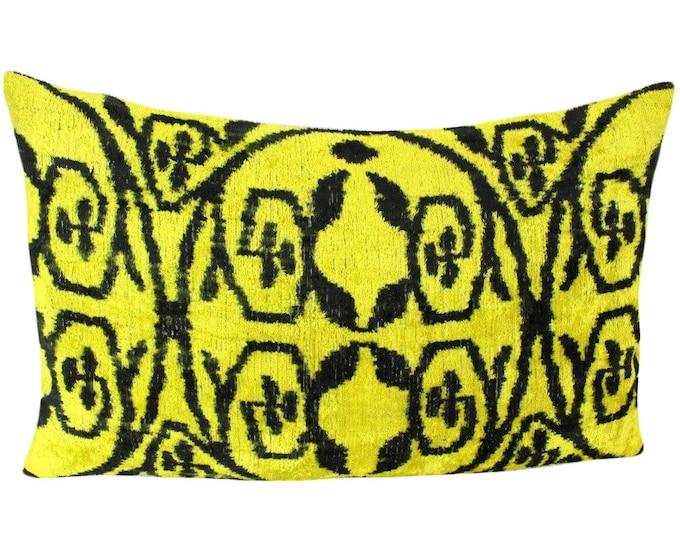 Silk Velvet Ikat Pillow Cover VP95, Bohemian pillow, Velvet Ikat Pillow, Velvet Pillow, Velvet Pillow Cover, Ikat Pillows, Throw Pillows