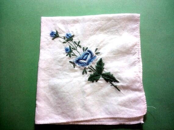 Vintage 1950s Handkerchief/ Hankie Blue Rose Bouqu