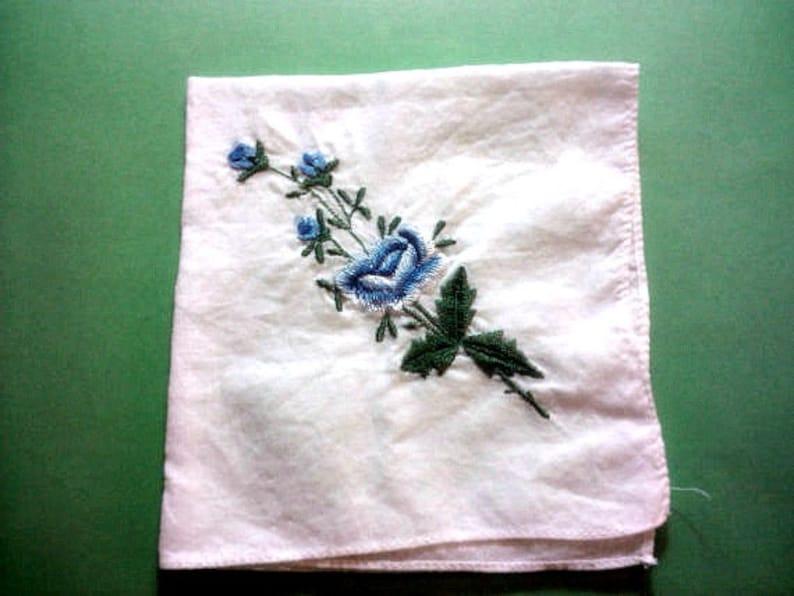Vintage 1950s Handkerchief Hankie Blue Rose Bouquet