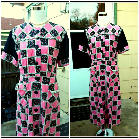 Vintage 1930s 1940s Pink Black Cotton House Dress