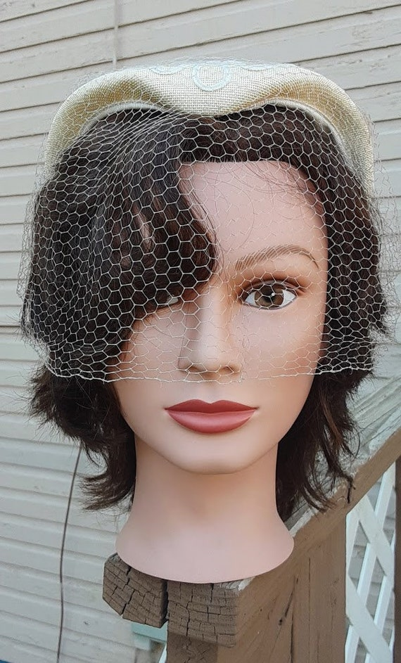 Vintage 1950s Ivory Juliet Hat Veil Hat Soutache B