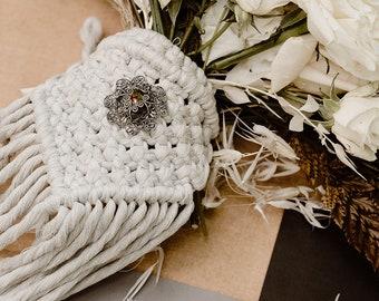 Macrame Bouquet Wrap : Jewel
