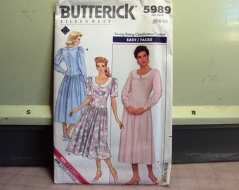 Butterick dress pattern, copy right 1988, pattern is factory folded and uncut