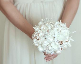 Seashells Bouquet. White Pearl Seashells Bouquet. Beach Wedding Seashells Bouquet. Beach wedding accessories