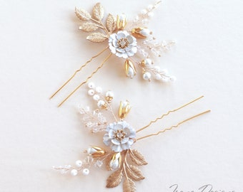 Handmade Hair Pin In Gold. Flowers and Beads Hair Pin. Flower Hairpin. Bridal Hair Accessories