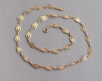 Vintage Signed Trifari TM Gold Tone Filigree Necklace
