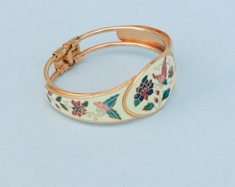 Vintage Unsigned  Cloisonne Bracelet With Butterfly and Flowers.