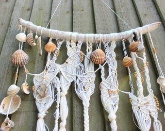 BOHO / BOHEMIAN / MARINE / White Wall Decoration, Wall Hanging, Natural Shells, Wood Decoration, Natural Wood, Wood  Beads, Boho Decor