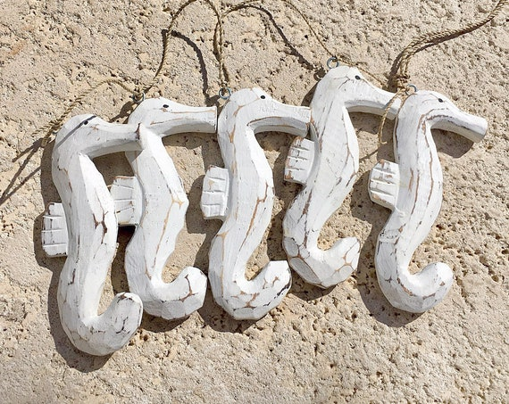 Beach Decor, White washed wood Seahorses Garland Vintage Style,  by SEASTYLE