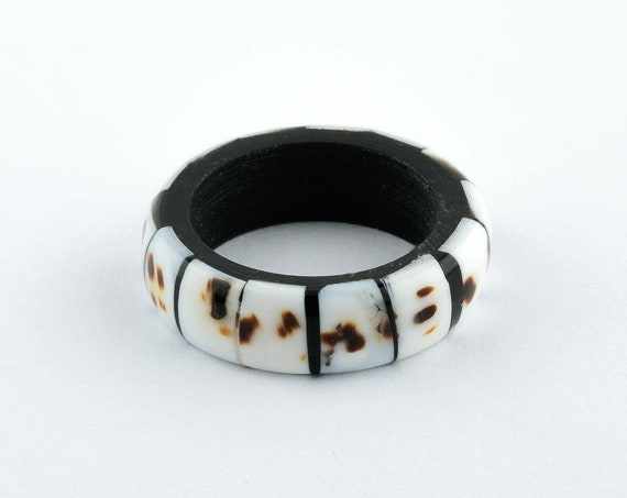 Jewelry Black and White Shell Ring by SeaStyle