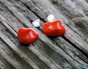 Sea Glass RED Modern Stud Earrings. 925 Sterling Silver Handmade by VERO for SeaStyle