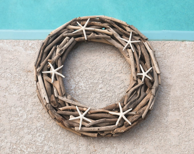 "Coastal Decor 18"" Driftwood Wreath White Finger Starfish Beach Décor by SEASTYLE"