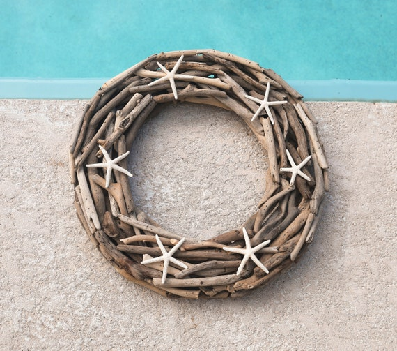 "Coastal Decor 18"" Driftwood Wreath White Finger Starfish Beach Décor by SEASTYLE"