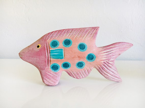 Wood Fish Pink Beach Décor by SEASTYLE