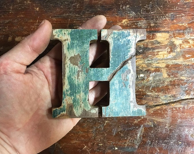 """Beach Decor Wooden LETTER """"H"""" Vintage Style Nautical by SEASTYLE"""