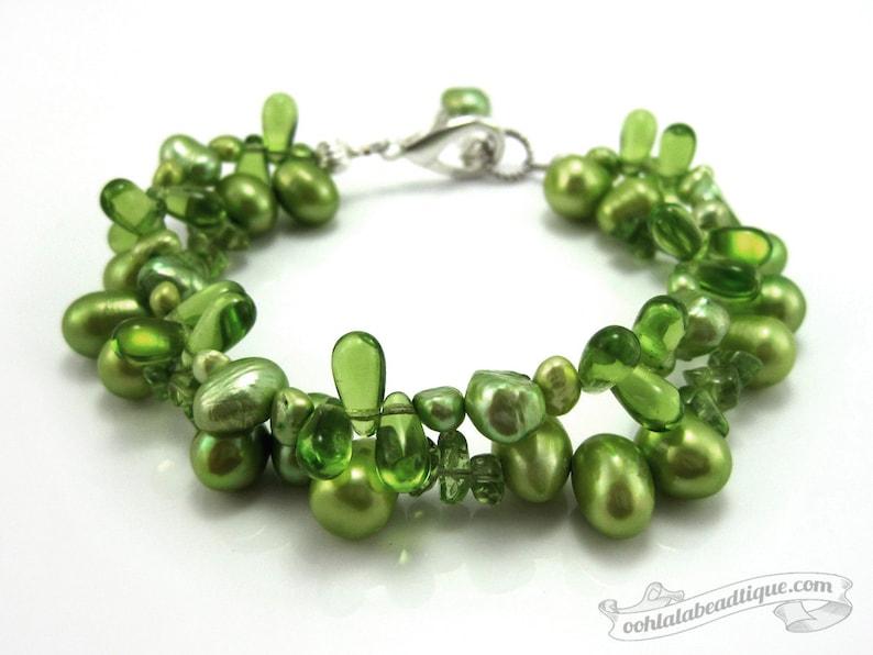Green pearl bracelet pearl jewelry wedding bracelet green image 0