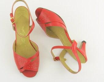 Sale Vintage 1970s Red Peep Toe Slingback Heels - Size 7 by Naturalizer