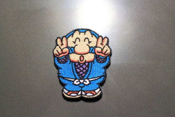 """hook and loop backing Manga Cosplay Anime Alien video game patch 2.5"""" circle"""