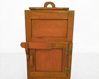 Wooden Dollhouse ICEBOX 1980s Miniature Handmade Ralph Edwards NH