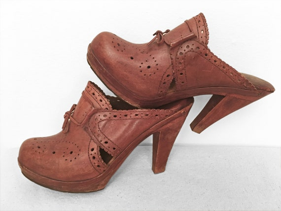70s leather Brogue CLOGS, high heel mules with woo