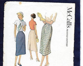1950s-60s Pink two piece skirt and blouse  sleeveless  summer  box pleats  mid-calf  loop collar  belt loops  back kick pleat