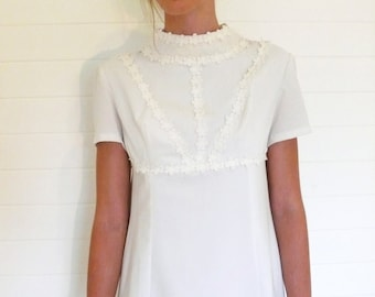 "Vintage bohemian wedding/white dress, deadstock, daisies . . . ""Like"" our fb page for 10% discount"