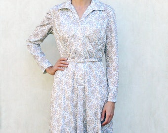 "Vintage paisley printed dress, medium - cream with blue, salmon and ochre . . . . . ""Like"" our fb page for 10% discount"